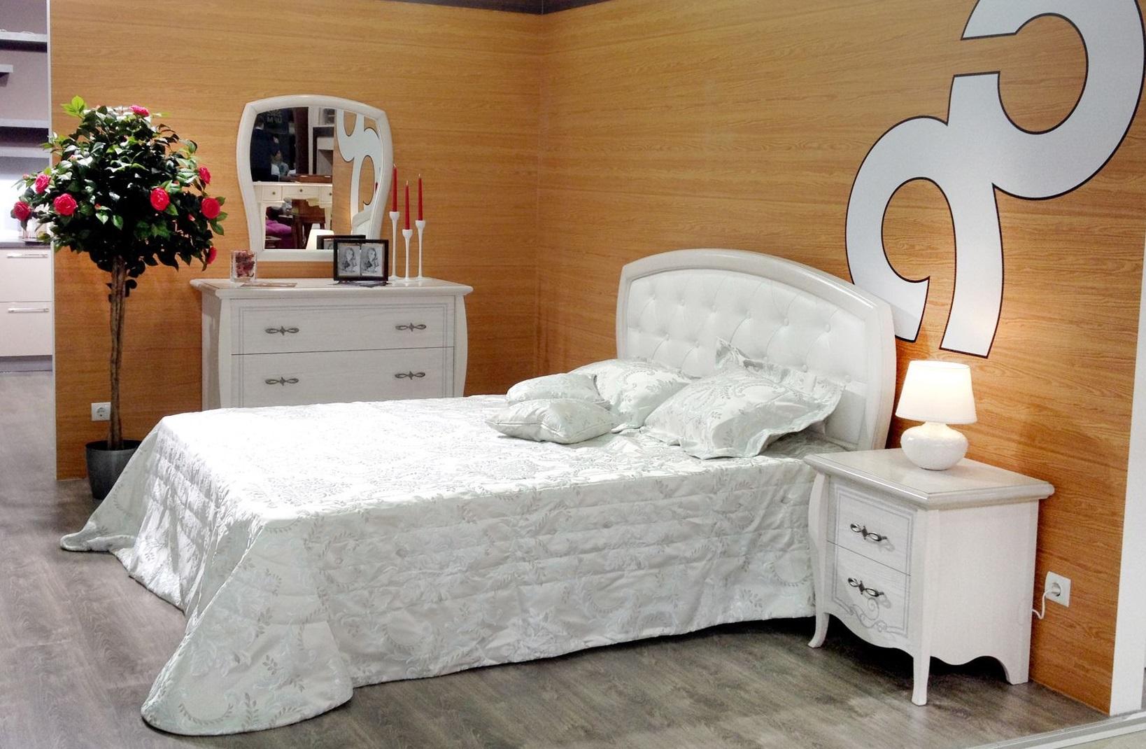 Мебель для спальни белого цвета от магазина «Оникс»