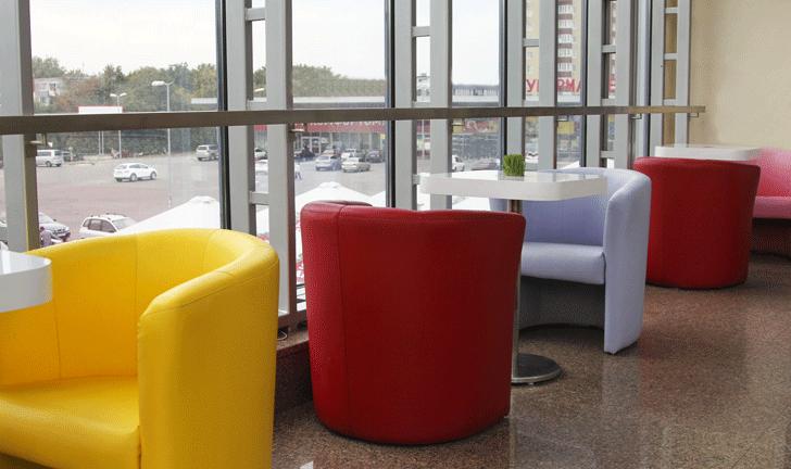 Яркая мебель для кафе в Одессе